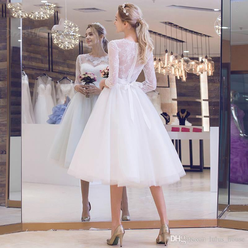 Elegant Short Wedding Dresses 2017 Lace 3/4 Sleeves Garden Beach Bridal Dresses Tulle Illusion Beach Ball Gowns Tea Length Vestido De Noiva