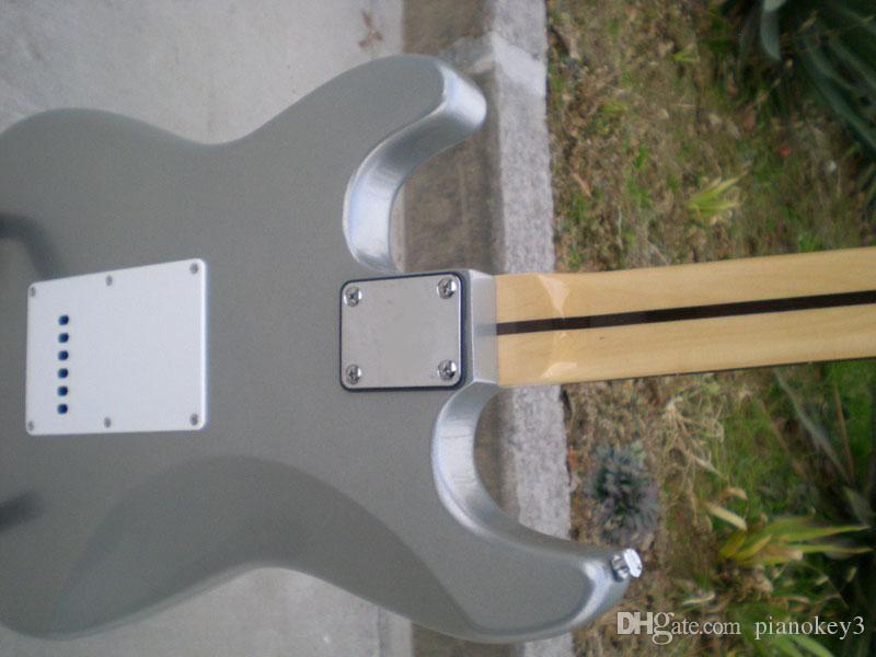 Atacado cor prata cinza ST guitarra elétrica, Basswood / amieiro material de madeira guitarra elétrica, frete grátis China fez guitarras