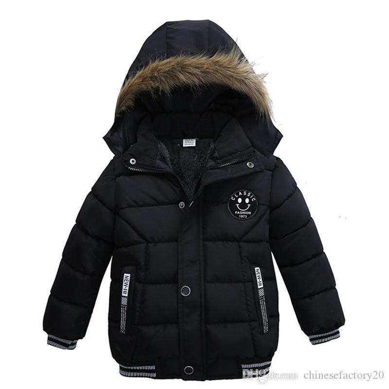 Детские мальчики Зимней улыбки Шинель корейских Толстого капюшон Хлопок Padded Детской Мода Повседневной ZippeR Теплого Мальчик одежда Жакеты