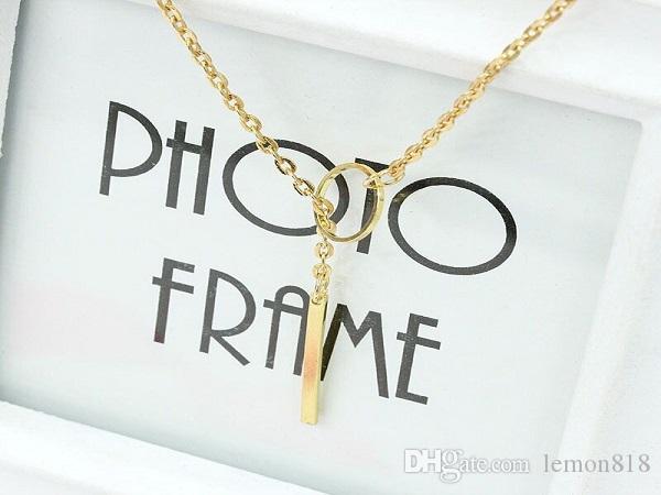 Neue preiswerte Halskette Zubehör für Frauen Metallring Kurzhalsketten-Gold / Splitter-Halskette Romantische Damen Schmuck