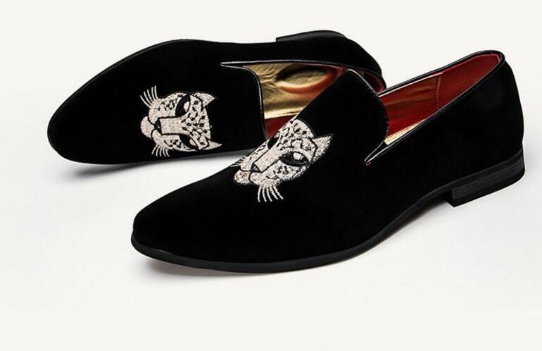 Frühling / Herbst Männer Velvet Loafers Party Hochzeit Schuhe Europa Stil bestickt Velvet Hausschuhe Driving Mokassins Schuhe dh2n61