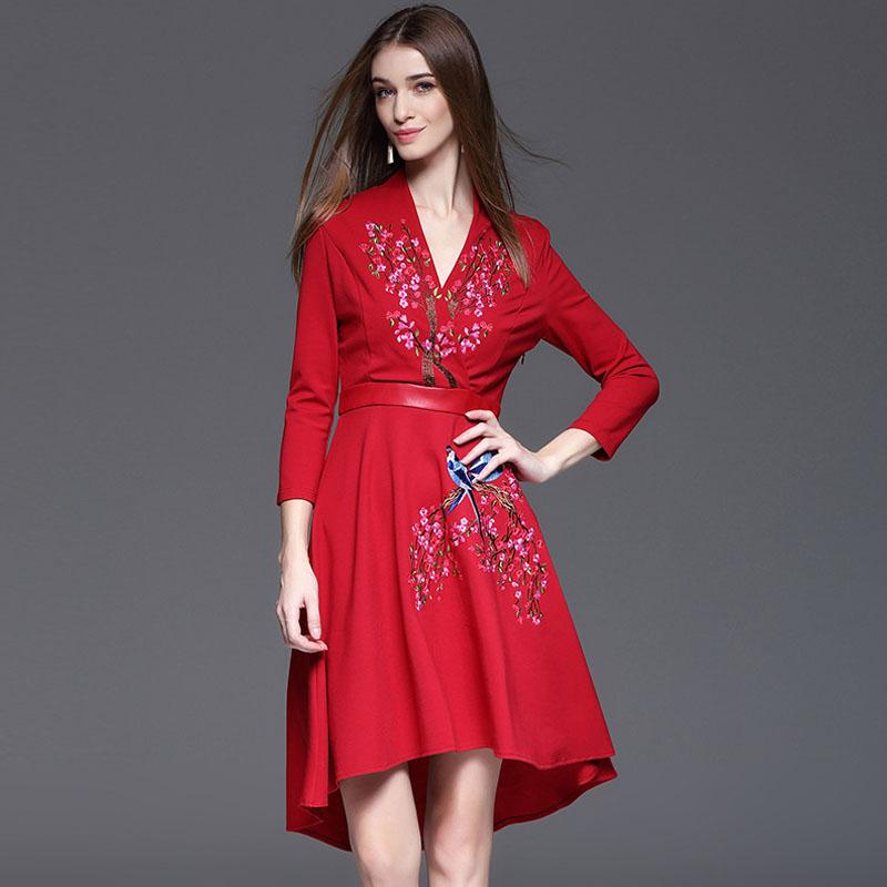 Vestido de bordado de las mujeres de alta calidad 2016 diseñador de moda otoño invierno runway vestido de manga larga con cuello en v vestidos de fiesta de cola de milano