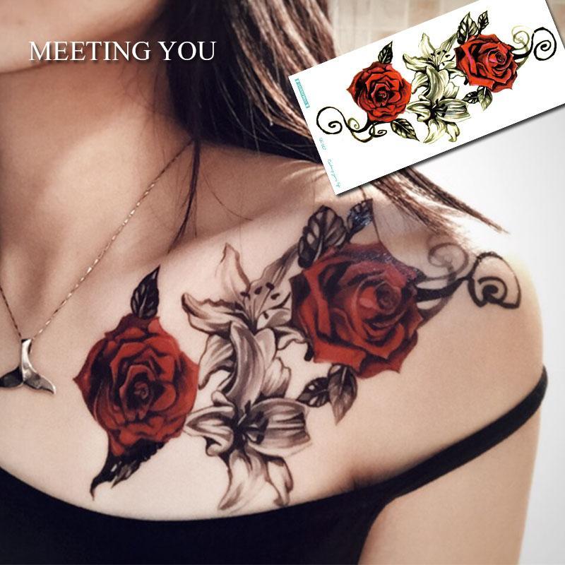 Großhandel Haben Zwei Rosen Und Lilien Tattoo Auf Der Brust Frau Ist