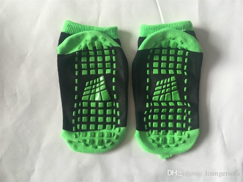 Çocuk Yetişkin Anti Sürtünme Sıçrama Yoga Çorap Eğlence Yeri Kaymaz Trambolin Çorap Kaymaz Tutkal Ücretsiz Nakliye 2 5mm WW
