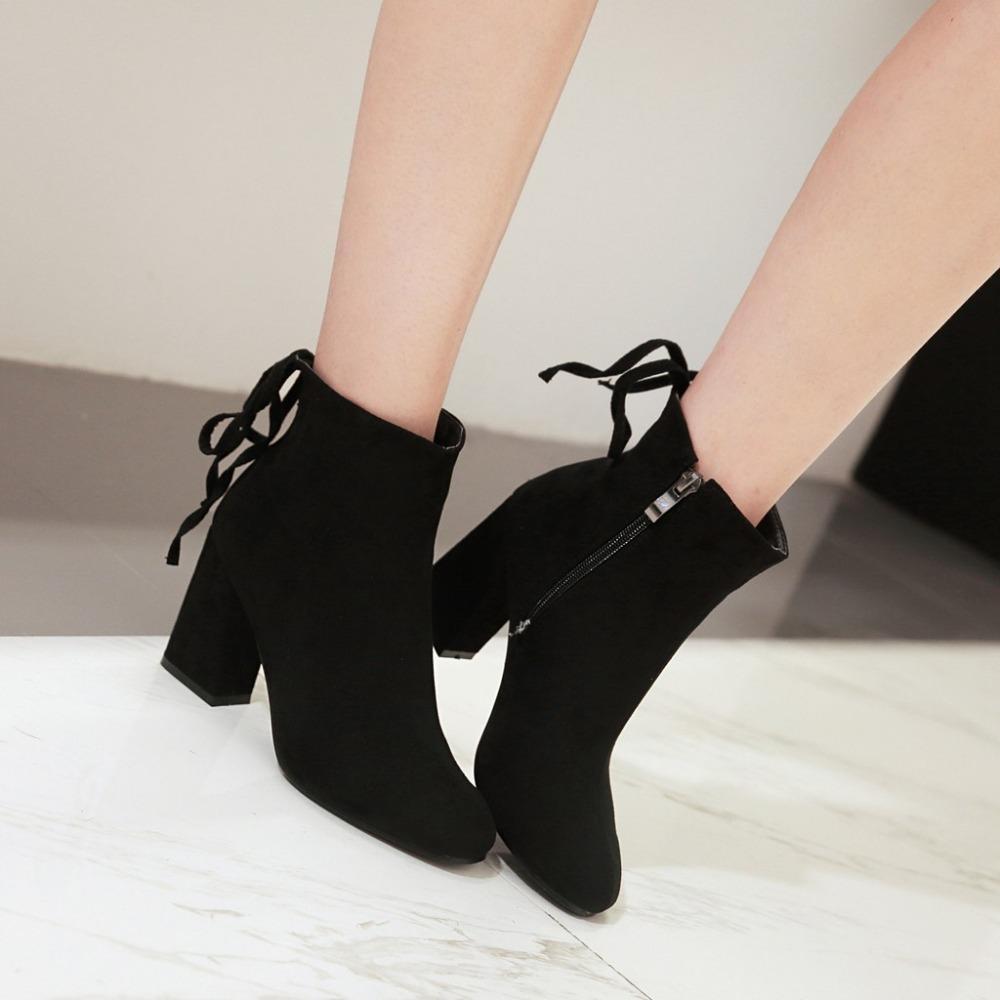 6bd4b2e8fc Compre Camurça Do Falso Da Moda Ankle Boots Para Mulheres Sapatos Dedo  Apontado Botas De Salto Alto Quadrado Mujer Botte Femme De Cutemerry