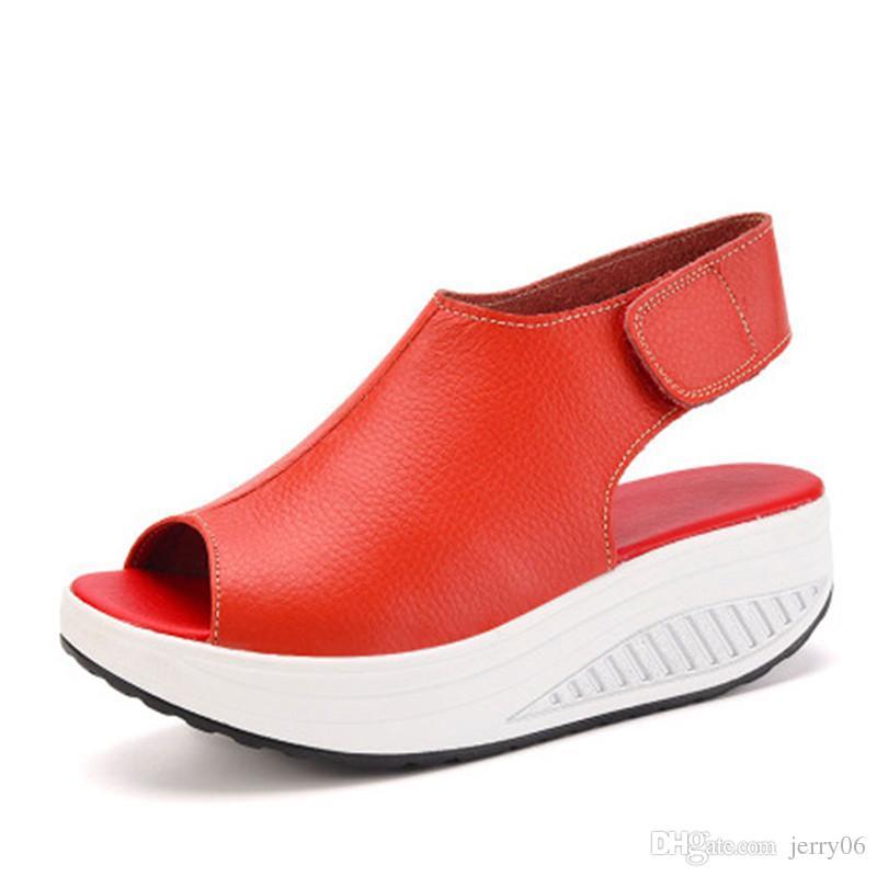 Acquista 2017 Donne Di Modo Estate Femminile Sandali Vintage Zeppe  Piattaforma Scarpe Peep Toe Sandalo Tacchi Alti Scarpe Punta Di Pesce  Zapatos Mujer A ... 405318e16ec
