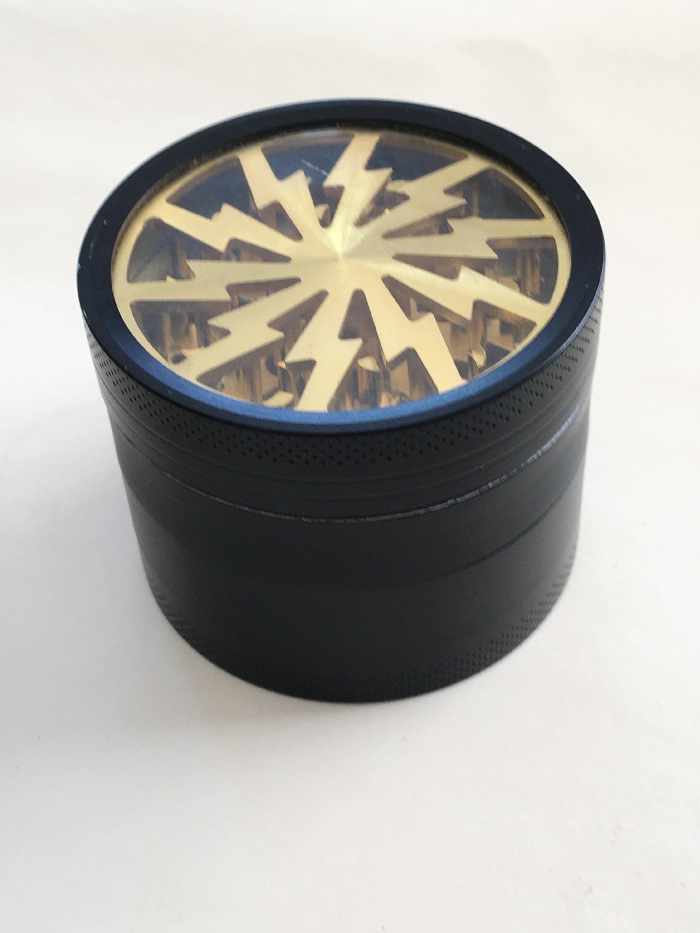 Broyeurs d'herbe de tabagisme quatre couches Broyeur d'alliage d'aluminium 100% dia 63mm en métal ont 5 couleurs avec le broyeur clair supérieur d'éclairage de fenêtre