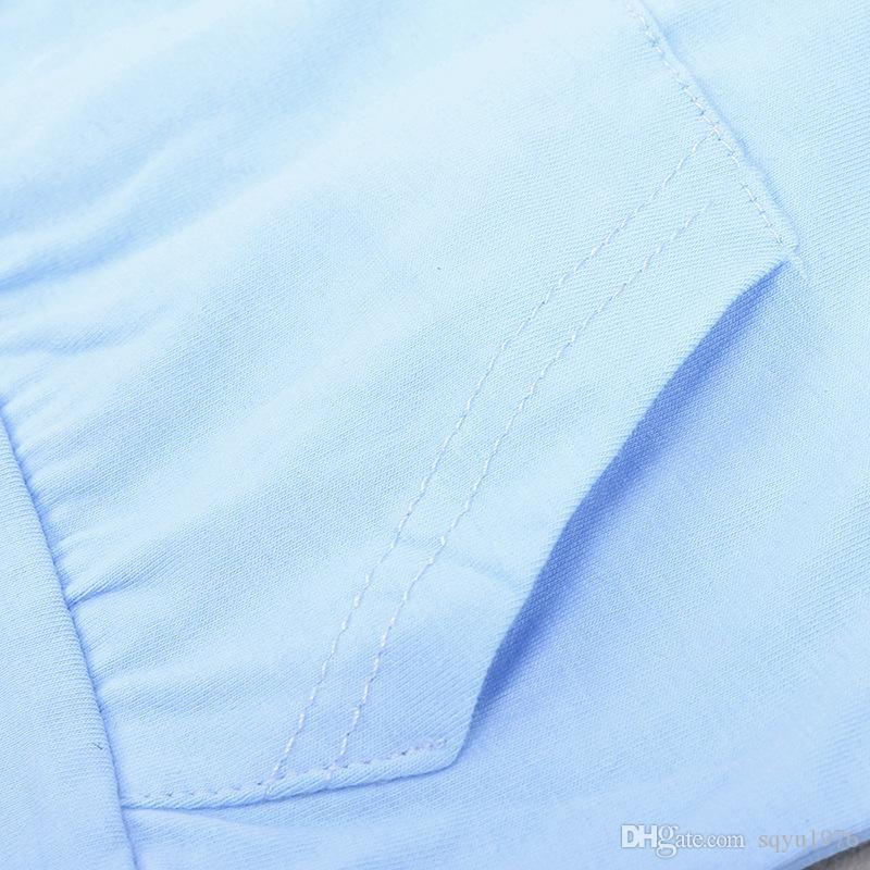Dois pedaços de listras infantis com mangas compridas e calças