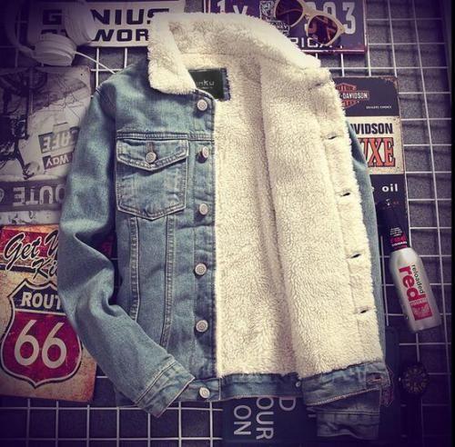 82342d19a476 Großhandel Mens Denim Jeans Jacke Mantel Warm Pelz Gefüttert Reverskragen  Winter Western Cowboy Cabanjacken Motorrad Outwear 3 Farben Maxi Von  Junqingy, ...
