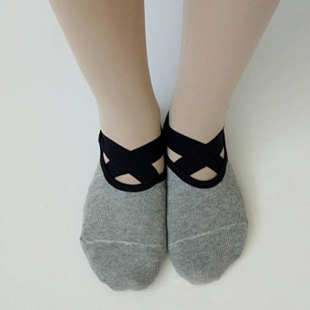 05281aeb6 Compre Mulheres Anti Slip Algodão Meias Senhoras Pilates Meias Ballet Dance  De Feiyancao