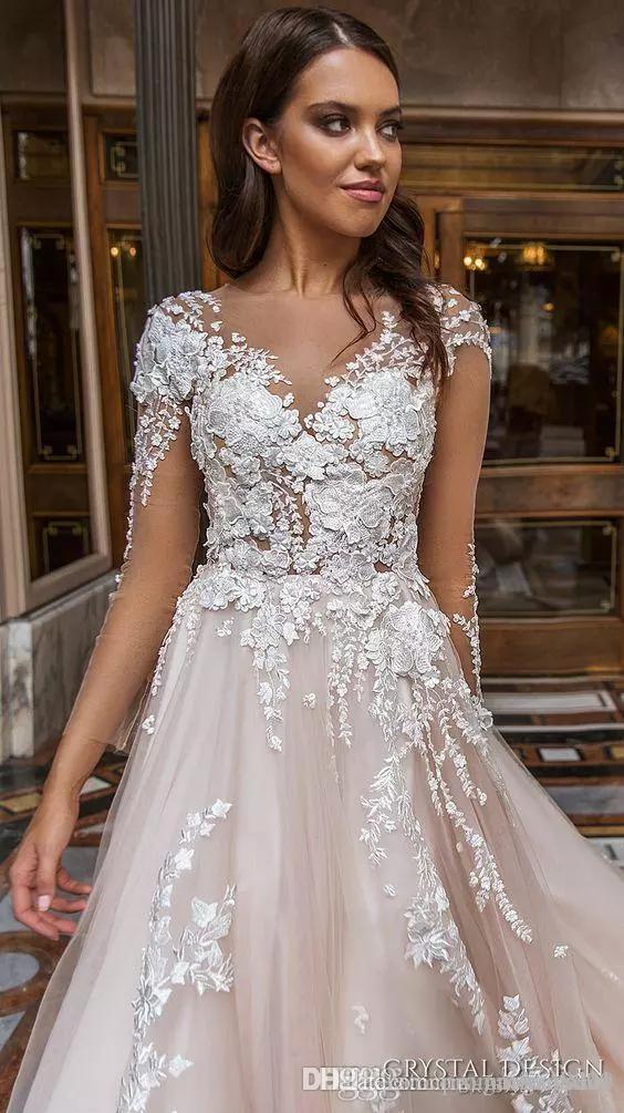 2018 Designer Brautkleider Lange Ärmel V-Ausschnitt Stark verschönert Spitze Gestickte Romantische Prinzessin Blush A Line Beach Brautkleider