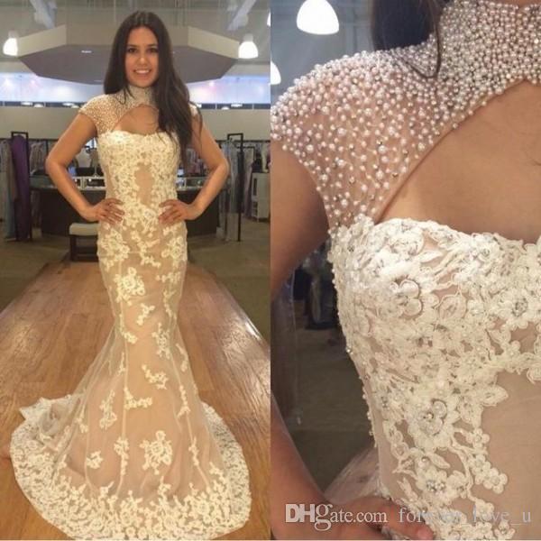 Impresionante noche de la sirena vestidos arriba de perlas de los granos del cuello Cristales cuello Capped hombro Vestidos Apliques de encaje vestidos de baile de orificio en atractivo