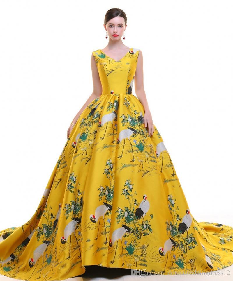 ebcc39002c Compre 2019 Vestidos De Noche De Flores Con Estampado Sexy Sin Mangas Con  Cuello En V Sin Respaldo Largos Vestidos De Fiesta De Baile Vestido De  Fiesta ...