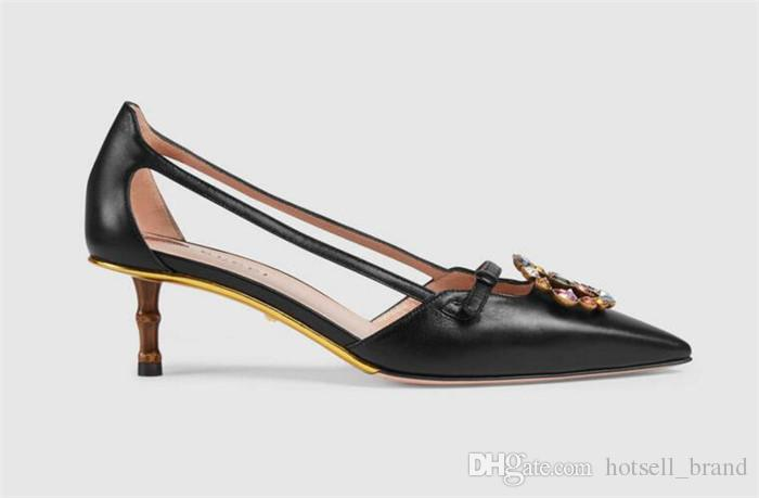 Sandalias de las mujeres del verano diamantes de imitación punta estrecha zapatos de hebilla de metal corazón recortes altos zapatos de tacón de bambú