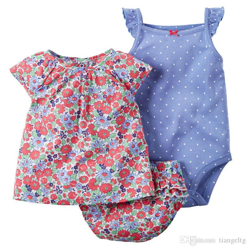 Nouveau-né bébé barboteuses costumes 100% coton 22 dessins colorés rayé broderie flora points de dessin animé t-shirt + triangle barboteuse + shorts /