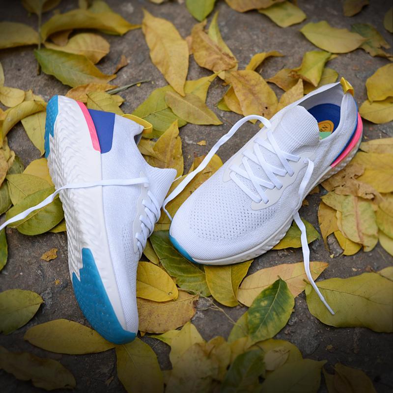 2018 Epic React fashional Summer Knit Triple Black blanco Entrenador Chaussure Sports Running Shoes para mujer Mens Sneakers zapatos de diseñador