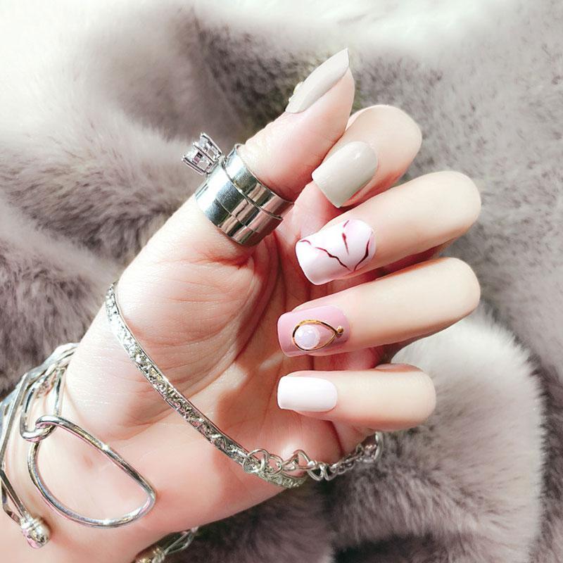 ZHOUShort False Nails Rivet And Marble Texture Fashion Design False ...