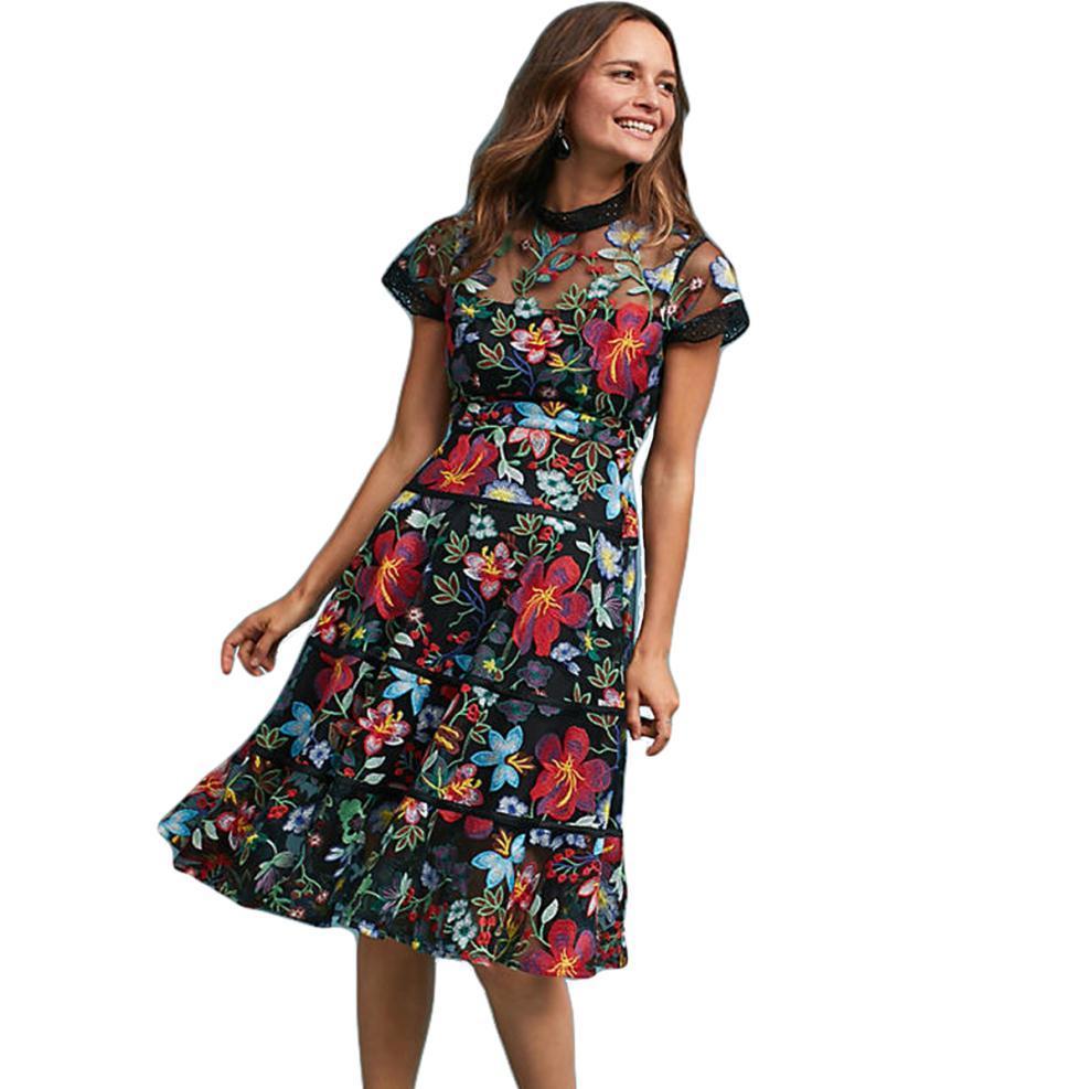 d24ed227557a Vestido de encaje bordado de flores de las mujeres 2018 primavera verano  vestido de pista Robe De Soiree Longue manga corta fiesta informal vestidos  ...