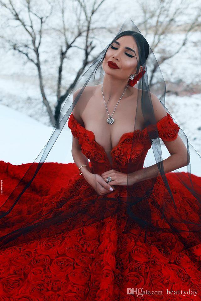 2019 robes de mariée rouges avec 3D fleurs rose cathédrale train arabe Moyen-Orient église hors épaule robe de mariage dos nu Said Mhamad