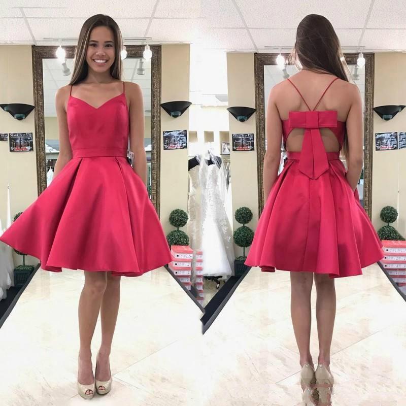 f0c89b3c842ae Satın Al Ucuz Kırmızı Kısa Mezuniyet Elbiseleri 2019 Backless Seksi  Spagetti Boyun Çizgisi Balo Abiye Büyük Yay Parti Elbise, $68.82    DHgate.Com'da