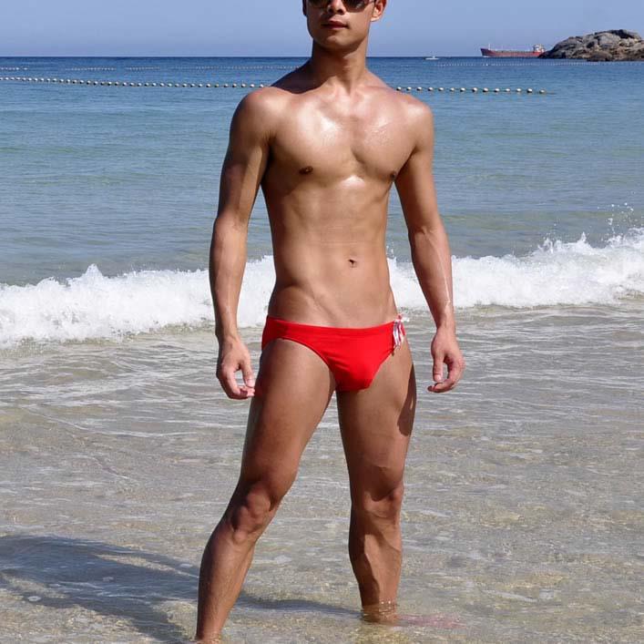 Yeni 2018 Özel özelleştirilmiş BOYTHOR A yeni marka Erkek kırmızı bağlama üçgen yüzmek mayo mayo yüzme bikini