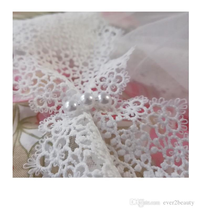 2018 New Romatic Country Style Bridal Veils Pearls Elegant Lace Edged High Quality Traditional Appliques Cheap Long Wedding Accessories