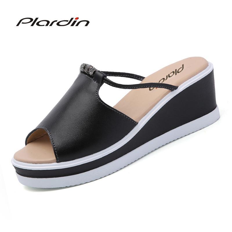 96ab1b528ced Plardin 2017 Bohemia Summer Casual Women S Flat Platform Sandals Crystal  Wedges Beach Sandals Shoes Woman Wedge Heels Pink Shoes From Smart78
