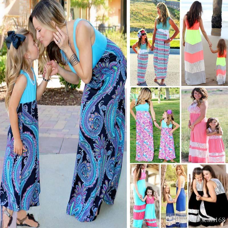 7c93373ba Compre Vestido De Rayas Impresas Mami Y Yo De Verano Vestido De Playa E  Hijas Vestido De Abuela De La Familia HH7 1060 A  6.51 Del Seals168
