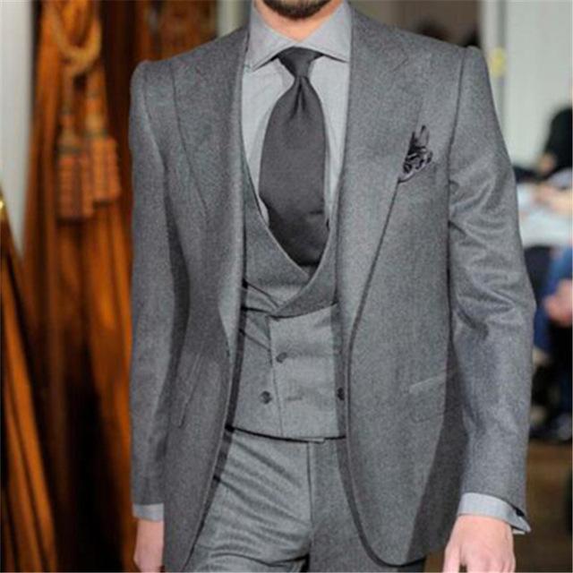 5c05d250f8b Compre Traje De Hombre Tweed Gris Doble Botonadura Slim Fit 3 Piezas De  Esmoquin De Novio Personalizada Blazer Trajes Terno Masculino Chaqueta +  Pantalones ...