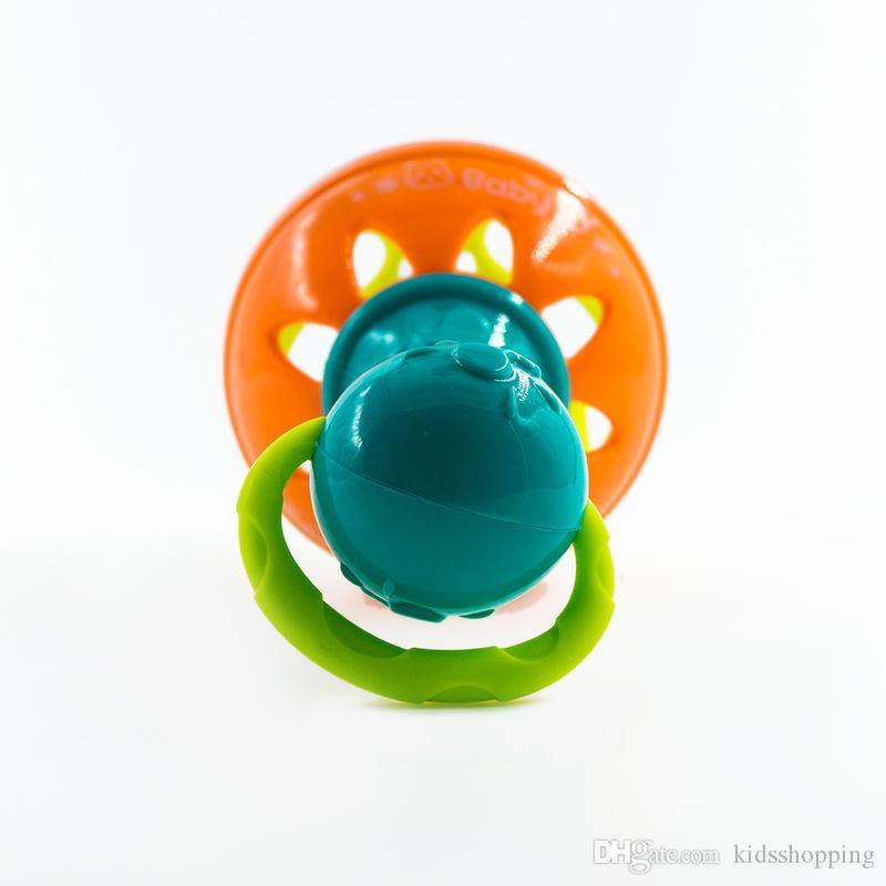 Rasseln entwickeln Baby-Intelligenz, die Zahnfleisch-Plastikhandklingel-Geklapper-lustige pädagogische bewegliche Spielwaren-Geburtstags-Geschenke greift