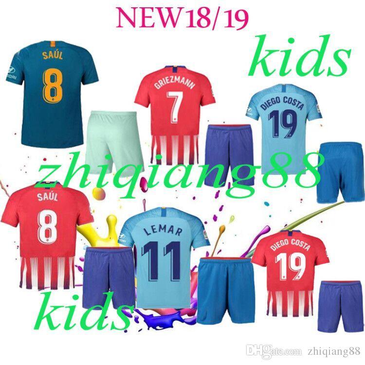 2018 2019 Camisetas De Fútbol De Madrid Para Niños Atlético Griezmann Godin  Luis Koke Gabi Camisetas De Fútbol Camisetas De Fútbol De Gaitan Gimenez  Kit ... 54d68ab7b3b5b