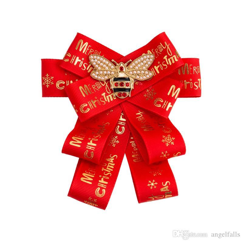 Buchstaben Frohe Weihnachten.Große Bowknot Luxus Brosche Ribbon Mit Buchstaben Frohe Weihnachten Für Frauen Anzug Kragen Revers Pin Krawatte Weihnachtsgeschenk Schmuck