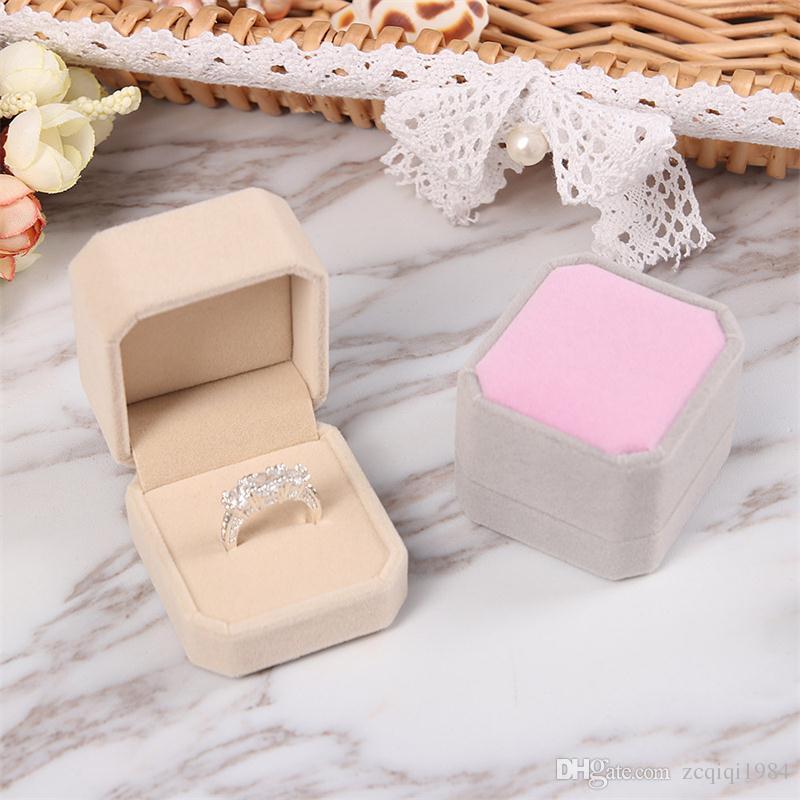 حار بيع أنيقة البساطة المخملية الاشتباك الزفاف حلق حلقة قلادة مجوهرات عرض ملون تخزين مربع حالة