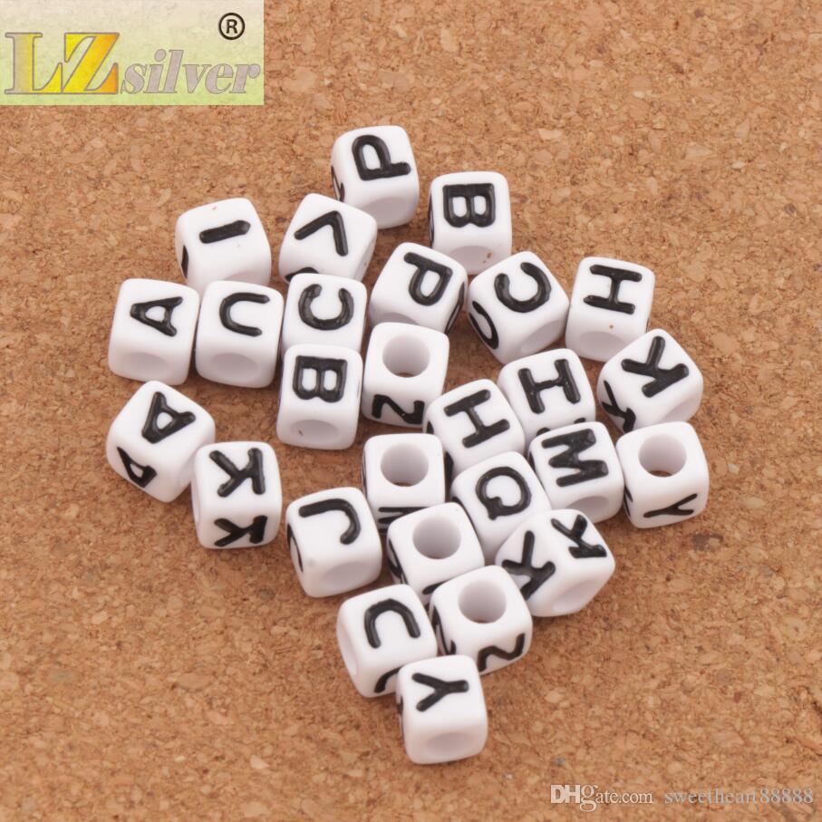 Blanc Cube 26 Alphabet Lettre Acrylique Spacer Perles / 7x7mm Perles Lâches Bijoux Chauds L3028