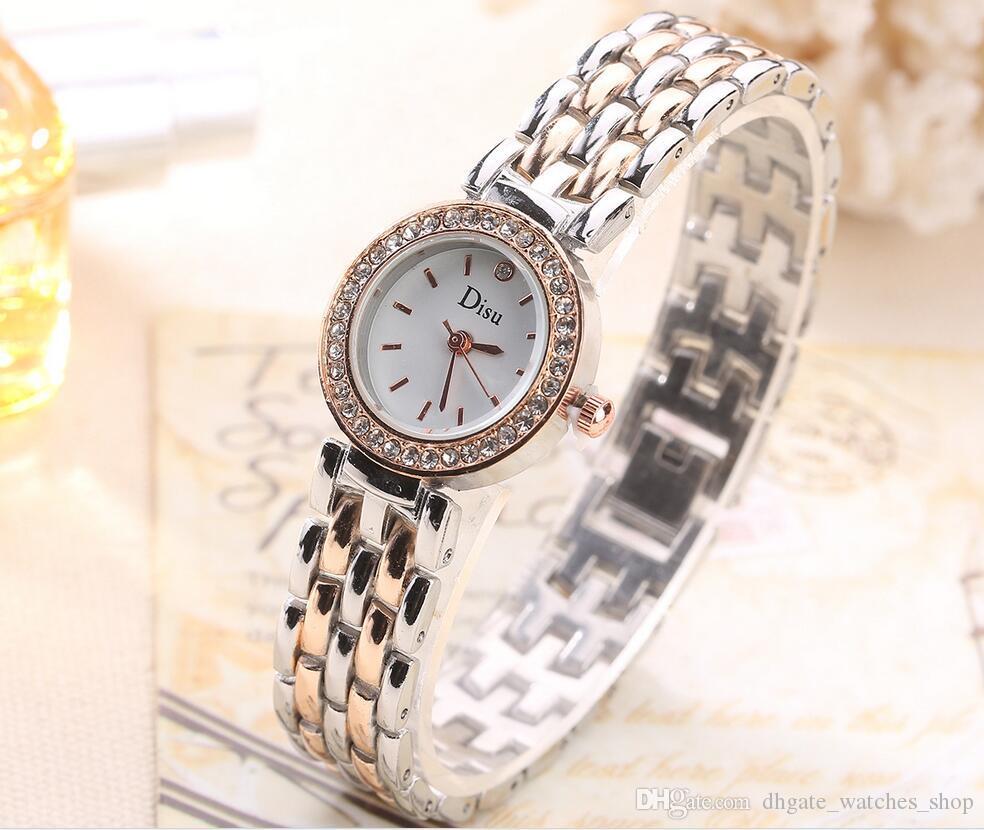 Compre Reloj De Las Mujeres Relojes 2017 Marca De Lujo Blanco Esfera Reloj  De Diseño De Las Mujeres Reloj De Pulsera De Cuarzo De Aleación Para El  Regalo A ... 2da0d9a90ce5