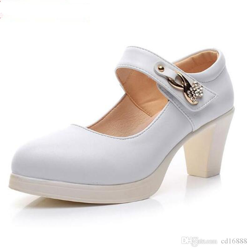 Elegant and comfortable women pumps 2018 New Spring autumn Rhinestone black white Real Leather Shoes Women Fashion Shoes Plus Size 33-43