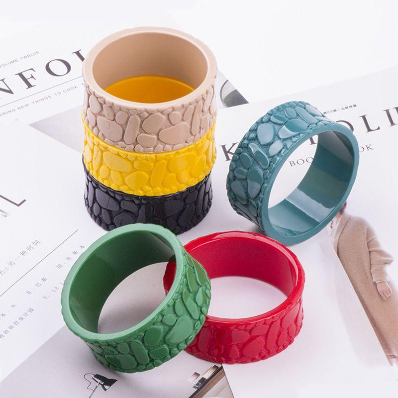 Nuovo braccialetto in resina moda alla moda braccialetto in acrilico Lucite colore solido braccialetto in pietra di ciottoli le donne gioielli in stile strada alta braccialetto