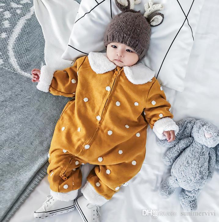 Compre Invierno Recién Nacido Niños Fuera Desgaste Mameluco Niñas Lunares Monos  Bebés Vellón Oso Oreja Solapa Manga Larga De Terciopelo Grueso Outwear  F2230 ... 5779a14db62