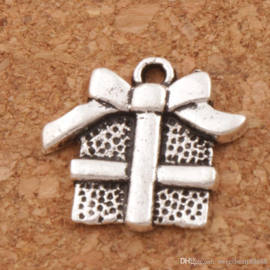 3e6e80d1b Christmas Gift Box With Ribbon Bow Charm Beads Pendants Fashion ...