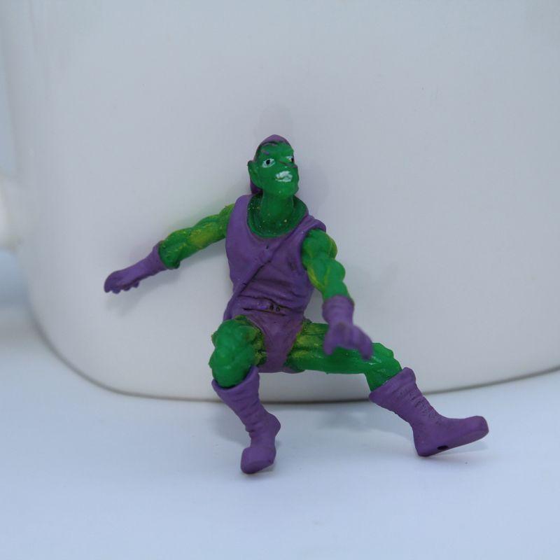 The Avengers Mini Action Figures Gashapon Capsule Toys Superhero Spiderman Iron Captain Mini Figures Children Christmas Gifts Twisting Toys