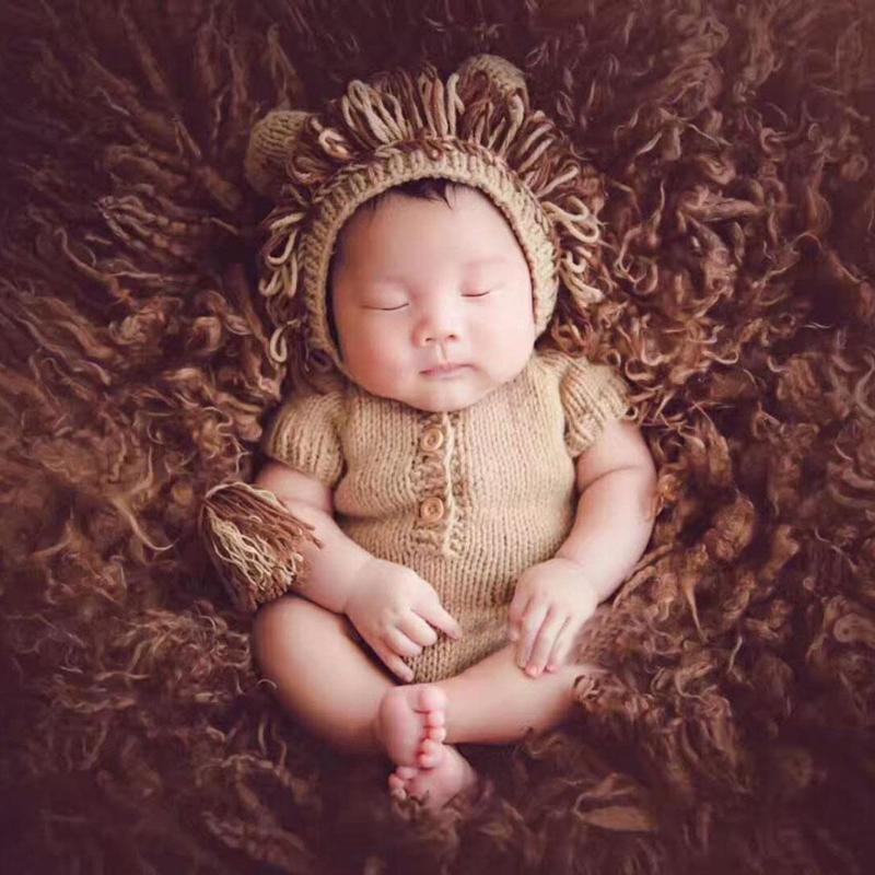 7242e45fc Compre Forma De León Bebé Recién Nacido Lindo Apoyos De Fotografía Bebé  Tejer A Mano Suéter Mameluco Con Sombrero Niños Tomar Foto Ropa Accesorios  A $21.87 ...