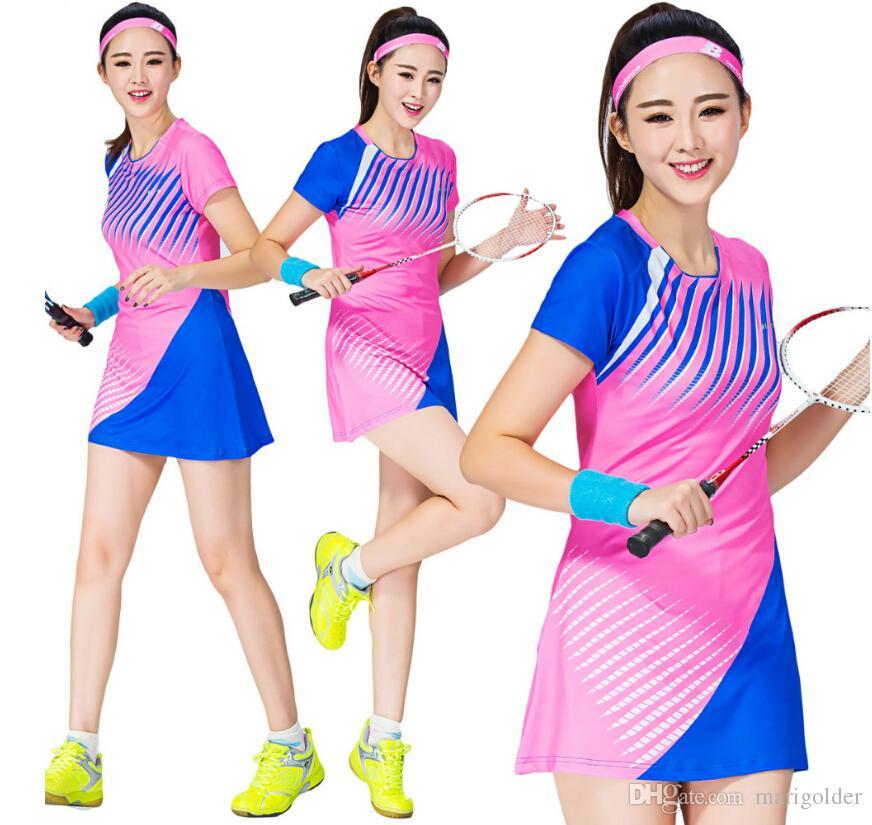 b94c7fe4aa Compre Esportes Das Mulheres Vestido Badminton Roupas De Manga Curta Vestido  De Tênis Com Calções Seguros Mulher Lazer Vestido De Tenis De Marigolder
