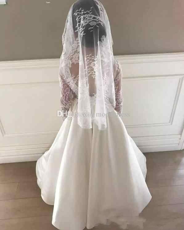 Lovely Lace Flower Girl Dresses 2018 Long Sleeves Backless A Line Floor Length Satin First Communion Dress Child Party Formal Wear Gowns