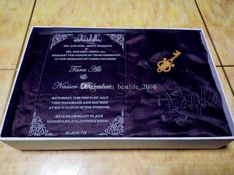 Acryl individuell angepasstes Logo WeddingBirthday-Einladungen mit kostenlosen Umschlägen LED und weiße Box nicht enthalten L165mmxW114mmxT2mm BL-181017