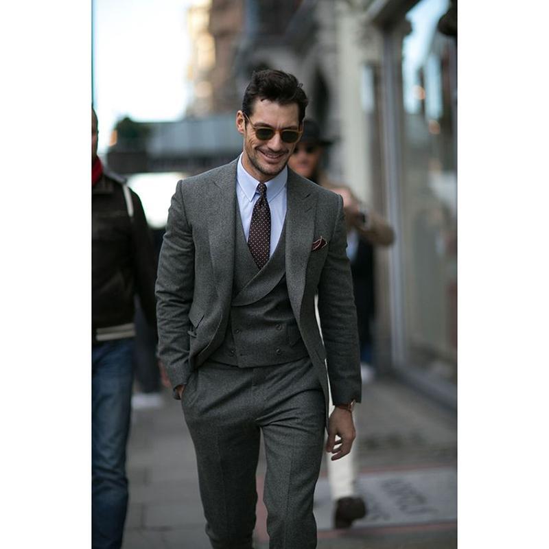 b1fadc164e9 Compre 2017 Nuevo Smoking Gris Tweed Chaqueta Hombres Traje Terno Slim Fit  Flaco Smoking 3 Pieza Novio Trajes Para Hombre Personalizado Blazer  Masculino A ...