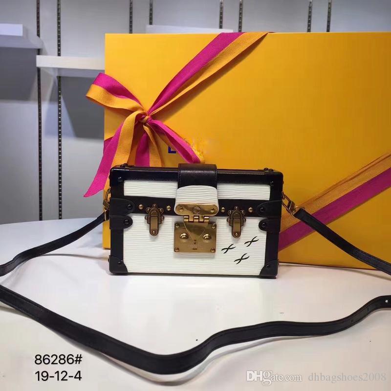 여성 브랜드 간단한 가방 패션 유행 소녀 디자이너 핸드백 캐주얼 어깨 메신저 가방 크기 19x12x4cm # N41003