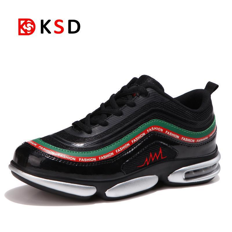 check out fee97 31d2e 2019 Onemix Men S Sport Running Shoes 2018 New Men S Sneakers Breathable  Mesh Outdoor Athletic Shoe Light Male Shoes Trainers Walking From  Rainlnday, ...
