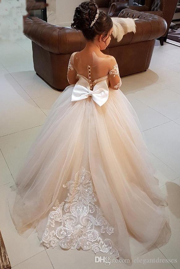 Pas cher Mignon Sheer Manches Fleur Fille Robes Appliques Dentelle Tulle Vintage Enfant Pageant Robes 2018 Princesse Formelle Fête D'anniversaire Porter