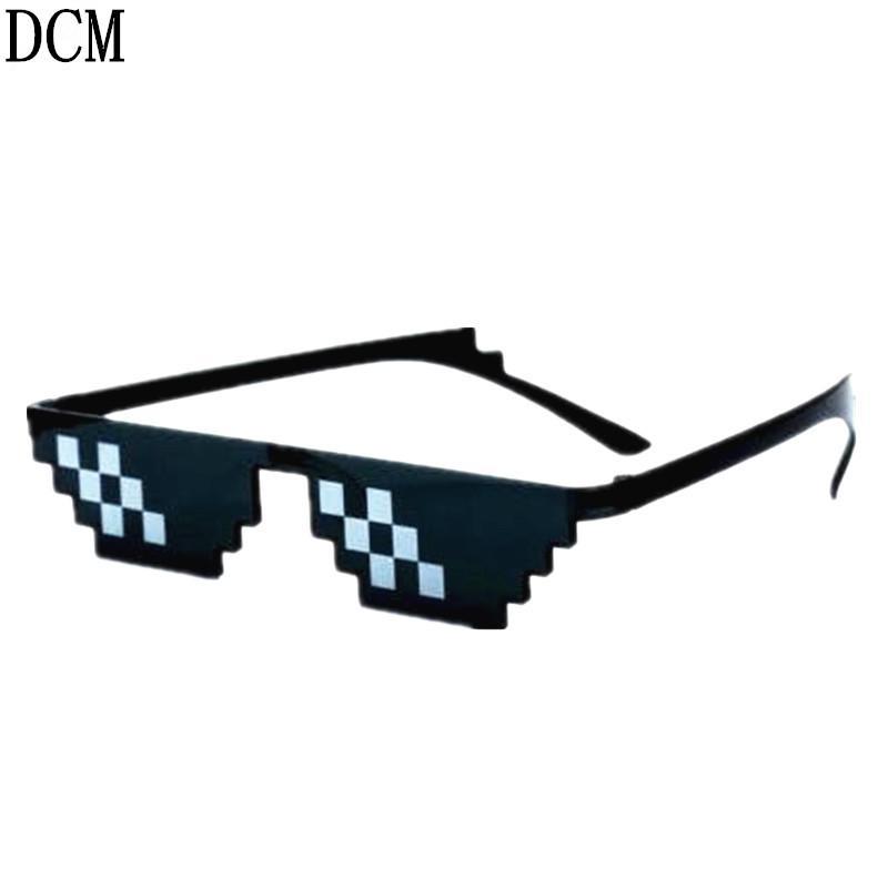 Compre Lidar Com Ele Óculos 8 Bits Mosaico De Pixel Óculos De Sol Dos  Homens Das Mulheres Do Partido Óculos Eyewithit Thug Vida Popular Em Todo O  Mundo De ... 534fe9591a