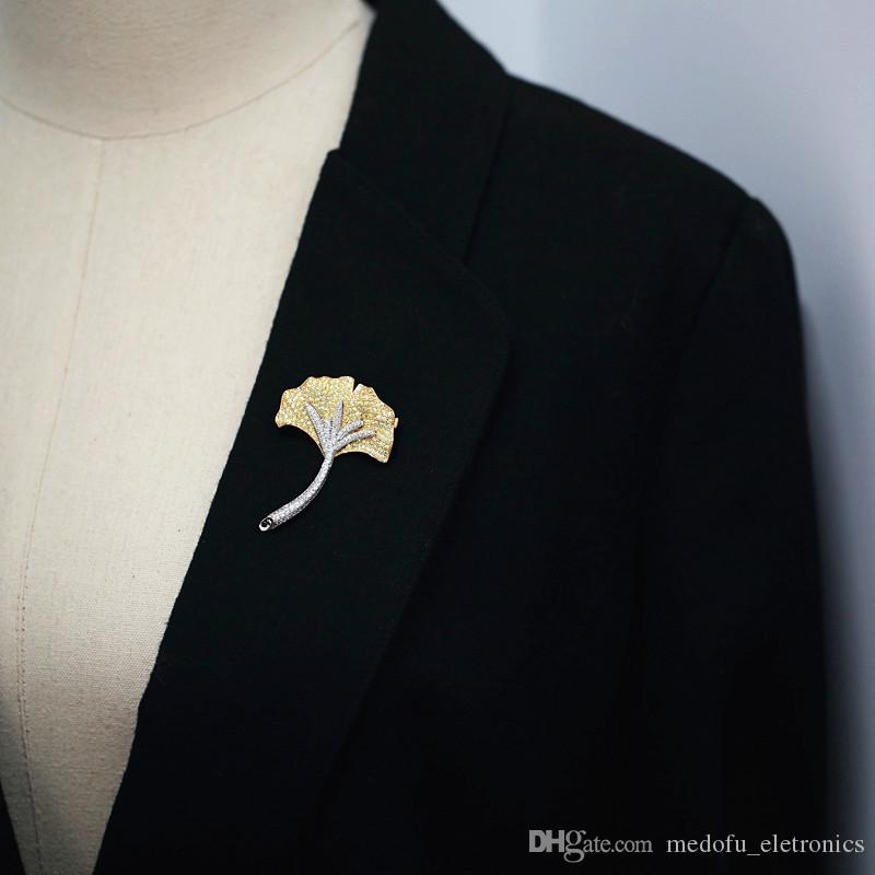 Europe and America Hotsale Fashion Pins Brooches Gold Plated Full CZ Ginkgo Leaf Brooches Pins for Men Women Suit Lapel Pins